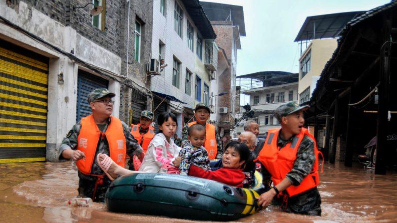 Desastres causam estragos em toda a China afetando centenas de milhares de pessoas