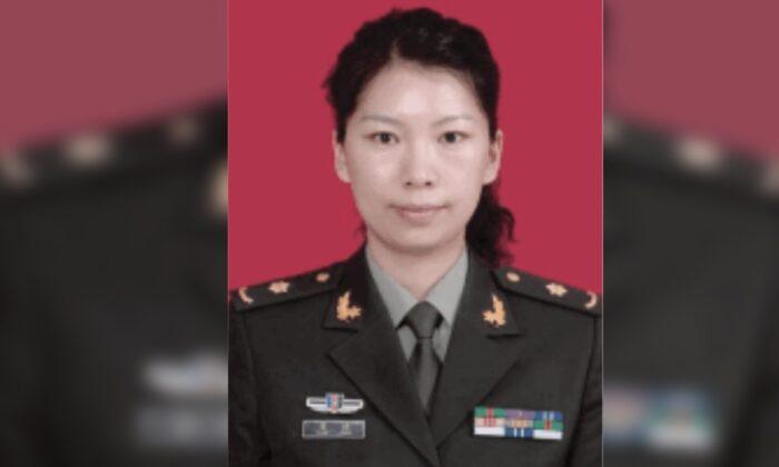 Pesquisadora chinesa escondida em consulado chinês é presa sob custódia