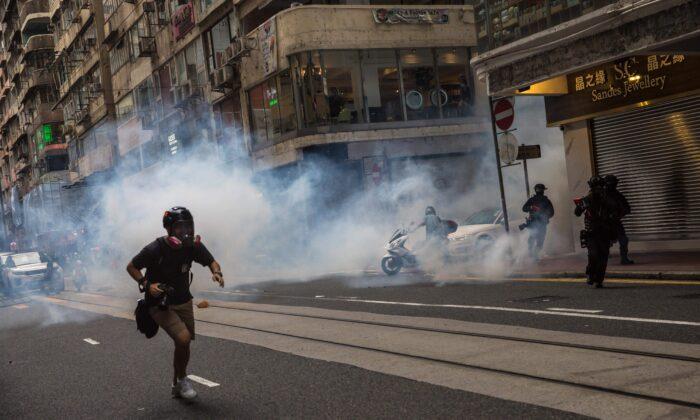 Ataque de Pequim à liberdade de Hong Kong representa uma ameaça global, afirmam ativistas