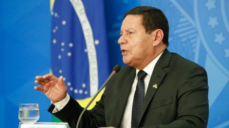 Abertura de CPI foi 'interferência' indevida de Barroso, diz Mourão