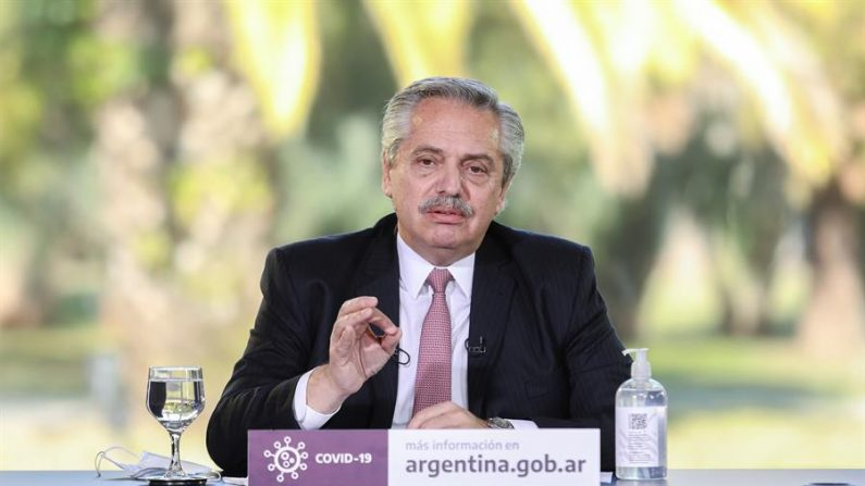 """Presidente da Argentina diz que acordo sobre dívidas abre """"horizonte"""" ao país"""