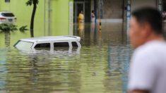 Fortes chuvas atingem rio Yangtze novamente, invadindo cidades e deixando muitos desabrigados