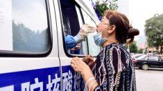 'Eles não deixam ninguém em paz': cidade do norte da China no limite à medida que o surto de vírus se espalha