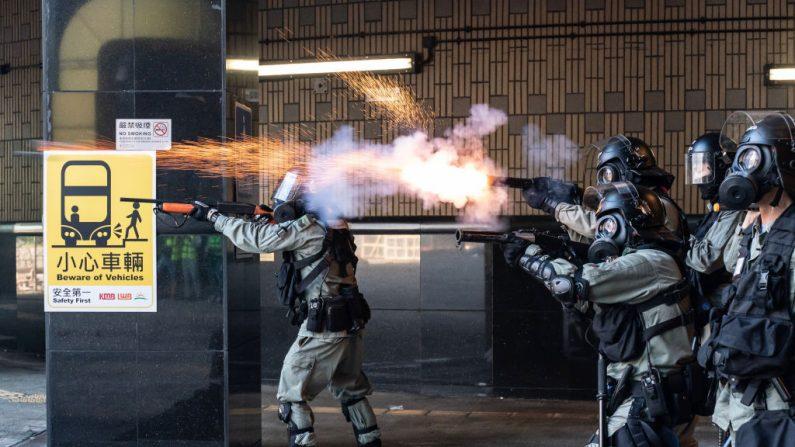 27 manifestantes são presos novamente em Hong Kong por envolvimento em protestos na Universidade Politécnica em 2019