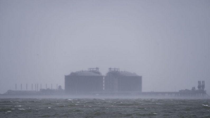 Sally ruma para costa dos EUA e pode causar inundação histórica
