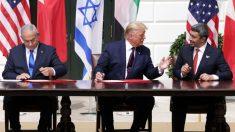 Emirados Árabes e Bahrein firmam acordos com Israel mediados pelos EUA