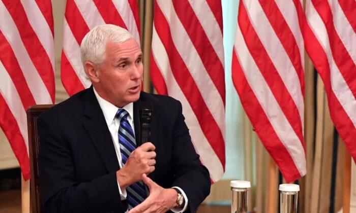 Casa Branca e Congresso chegam a acordo para evitar paralisação do governo, afirma Pence