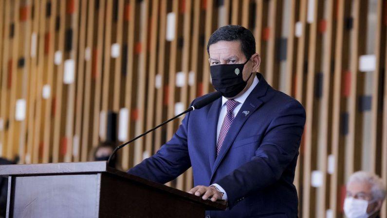Operação Verde Brasil 2 deve prosseguir até fim de 2022, diz Mourão