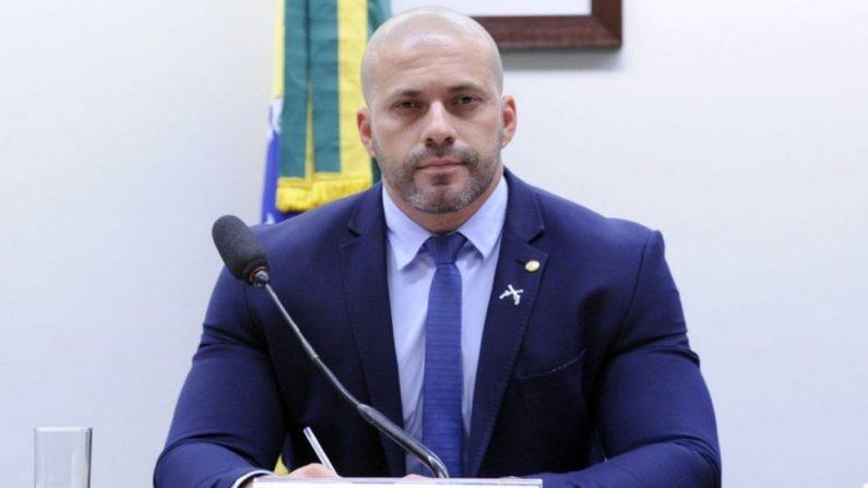 Deputado protocola notícia-crime contra ministro Marco Aurélio do STF