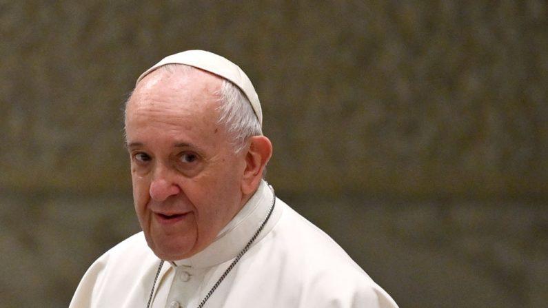 Vaticano avalia acordo com China diante de preocupação com apoio ao sistema comunista