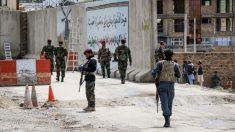 Homem-bomba mata 18 em centro educacional de Cabul