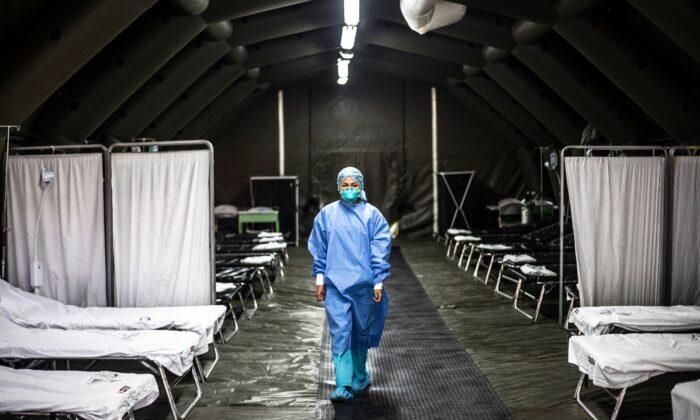 Exclusivo: China tinha pacientes semelhantes aos da COVID-19 meses antes do cronograma oficial