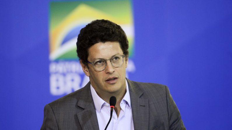 Esquerda se levanta contra ministro do Meio Ambiente e povo responde que Ricardo Salles fica