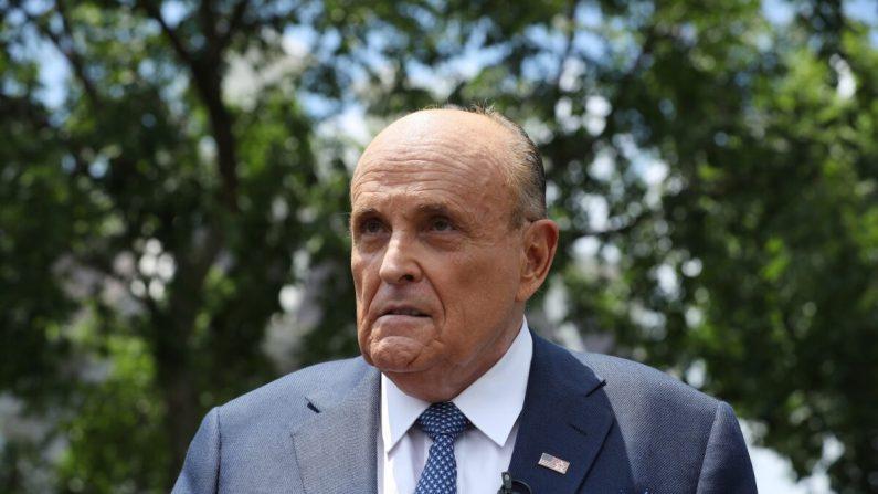 Giuliani detalha as etapas que executou para autenticar o material de Hunter Biden