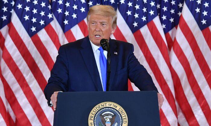 """Trump aos apoiadores: """"Não se deixe intimidar por essas pessoas"""""""