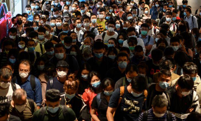 Surto de COVID-19 em Xangai se espalha para província próxima
