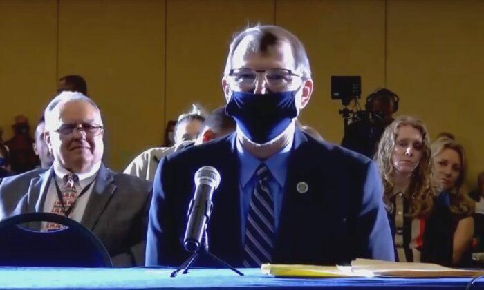 Urnas eletrônicas foram 'feitas para serem manipuladas', afirma testemunha na audiência eleitoral da Pensilvânia