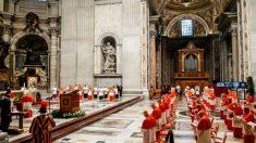 'Toque de recolher': Itália quer mudar horário da Missa do Galo