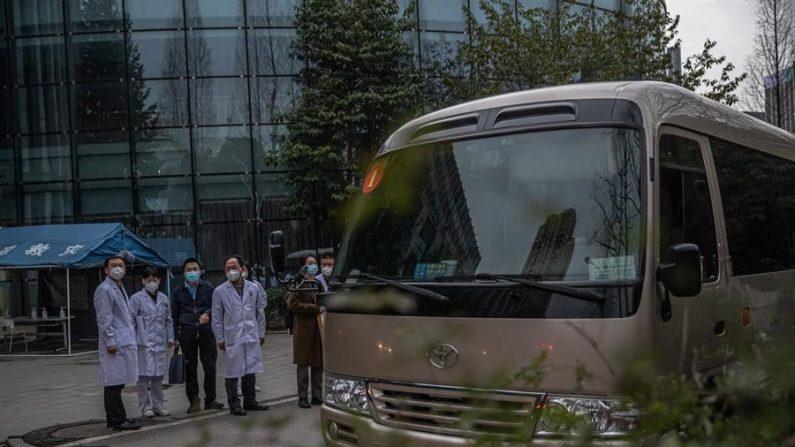 "Investigadores da OMS visitam hospital ""zona zero"" da pandemia na China"