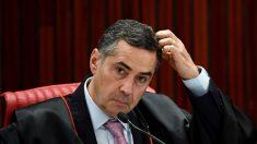 Senador pego com dinheiro na cueca volta ao cargo, decide Barroso