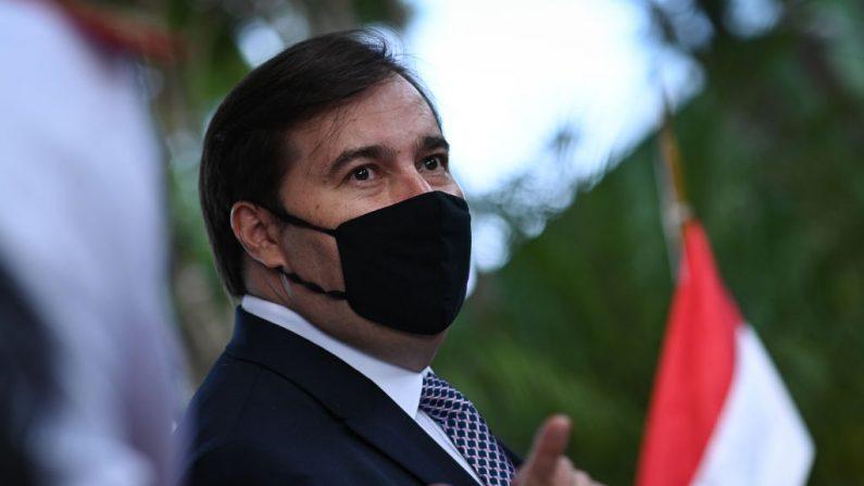Doria convida Maia para se filiar ao PSDB e aguarda retorno