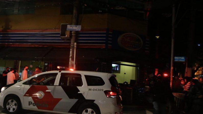 SP autua dez estabelecimentos em primeira noite de toque de restrição