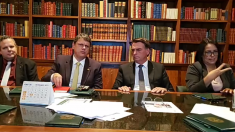 Bolsonaro afirma que impostos federais sobre gás e diesel serão zerados