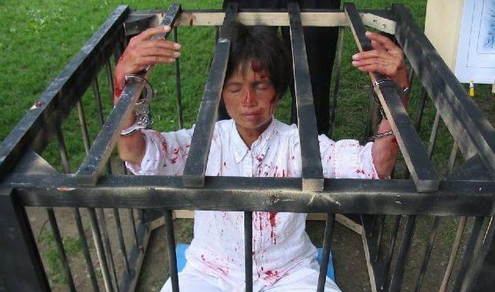 Mulher é presa na China três vezes por suas crenças