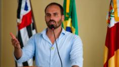 Justiça nega pedido de Lula para ser indenizado por Eduardo Bolsonaro