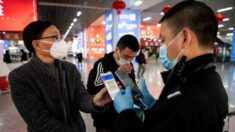 Cidadãos chineses estão preocupados com o fato de Pequim incorporar vacinação COVID-19 no código QR