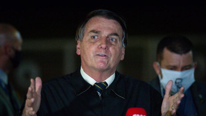 Lockdown não deu certo em 2020 e, portanto, também não dará em 2021, observa Bolsonaro