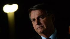 """""""Só Deus me tira da cadeira presidencial"""", diz Bolsonaro sobre perseguição política no país"""