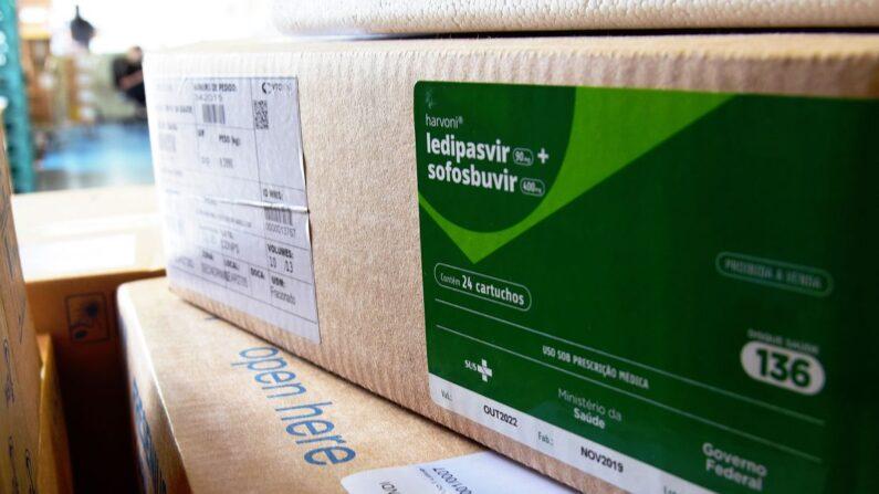 Ministério começa a distribuir kits intubação para estados