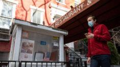 Café da Califórnia cobra taxa para clientes que usam máscara e se 'gabam' de serem vacinados