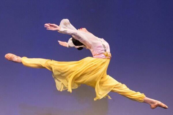 Perfil de artista: dançarina principal do Shen Yun, Michelle Lian e sua mágica nos movimentos