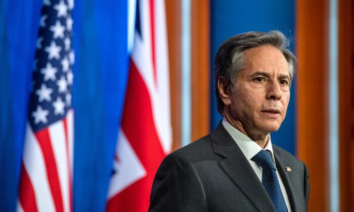EUA não vão 'deixar a Austrália sozinha' frente a coerção de Pequim, diz Blinken