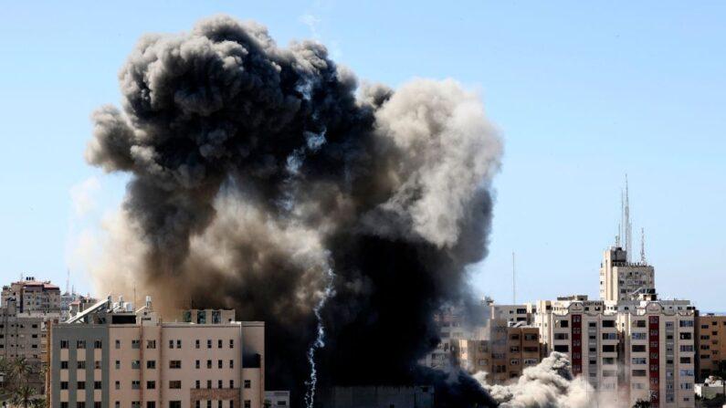 Blinken diz que não viu nenhuma evidência da presença do Hamas na torre de Gaza e pede fim dos ataques