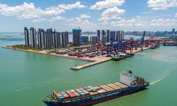 Depois de paralisar Hong Kong, Pequim quer transformar Ilha de Hainan em porto de livre comércio