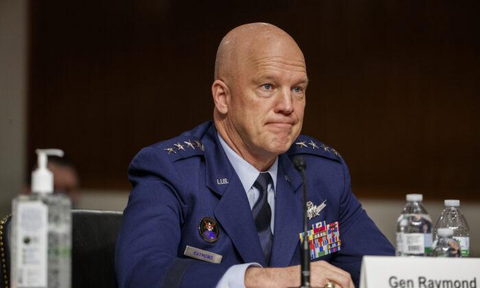 Satélites GPS militares dos EUA são ameaçados por lasers e bloqueadores chineses, diz General