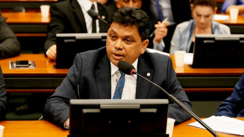 Depois da grande recepção popular ao presidente, PCdoB quer investigar Bolsonaro por visita ao Maranhão