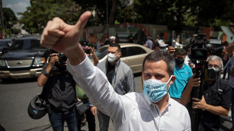 Guaidó concorda em negociar com Maduro por meio do 'Acordo de Salvação Nacional'