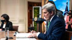Kerry reconhece que abusos dos direitos humanos do PCC apresentam 'problema' para estratégia climática dos EUA
