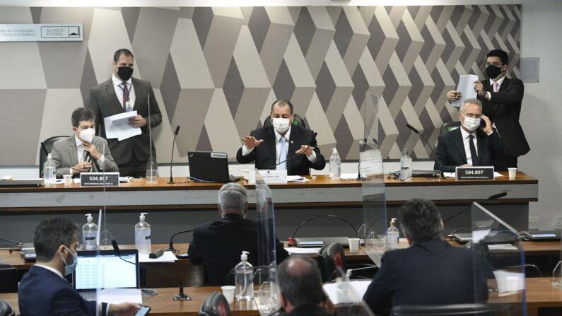 CPI da Pandemia aprova convocação de empresas de tecnologia
