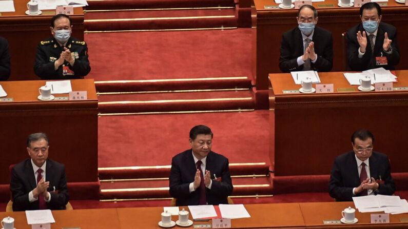Xi pede ao PCC para promover uma imagem 'amigável', mas o regime não mudará sua essência, afirmam especialistas