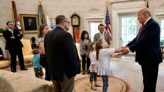 Juiz indefere ação judicial contra criador de meme pró-Trump envolvendo duas crianças