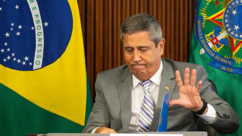Braga Netto condiciona eleições ao voto impresso