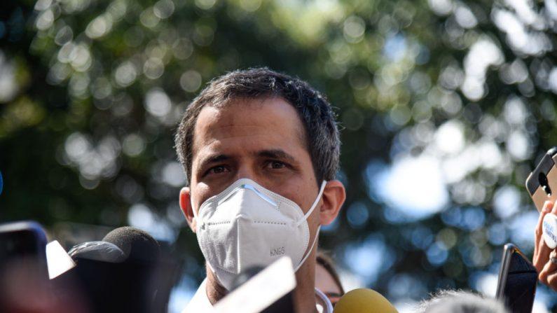 Policiais venezuelanos foram à casa de Guaidó para prendê-lo, segundo sua esposa