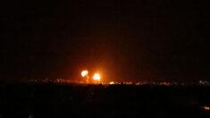 Após novo lançamento de balões incendiários, Israel responde com bombardeios a alvos do Hamas