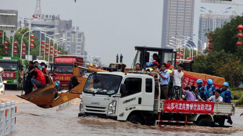 Correspondentes na China denunciam ameaças durante a cobertura das enchentes