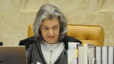 Cármen Lúcia recebe ação do PT sobre impeachment